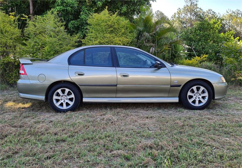 2004 HOLDEN COMMODORE EXECUTIVE VYII